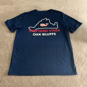 Almost new vineyard vines performance tee